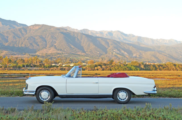 1963 Mercedes-Benz 200-Series 220SE Cabriolet