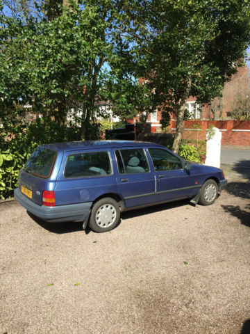 FORD SIERRA ESTATE, Tasman Blue, 1.8 Manual