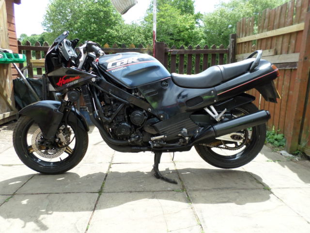 HONDA CBR750 HURRICANE / SUPERAERO 1988 SPARES OR REPAIR