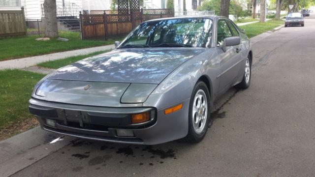Porsche: 944 Base