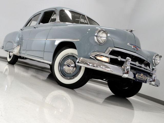 1952 Chevrolet Styleline DeLuxe Sedan