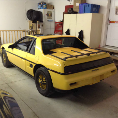 1988 Pontiac Fiero Value Leader Coupe 2-Door 2.5L