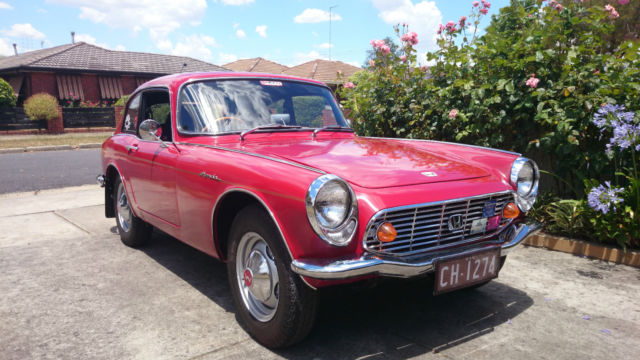 Honda S600 Fastback (1965) 2D Coupe Manual (606 cc - Carb) Seats