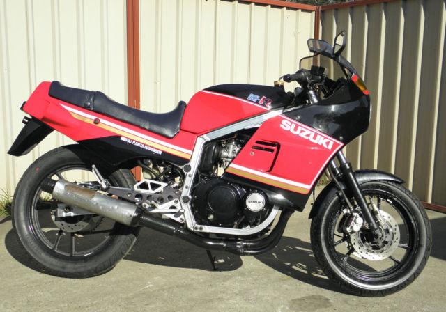 Suzuki GSXR400 1984 First model GSXR ever made  original condition 15,266 klms