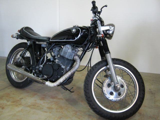 1988 Yamaha SR500. SR400 with a 500 engine. Lots of cool parts. Cut price Cafe!!