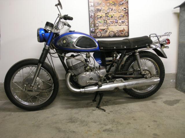 1968 Suzuki T500 Cobra Titan