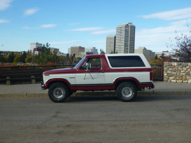 1984 Bronco w/only 40K Original Miles and a Factory Mustang GT engine bay look