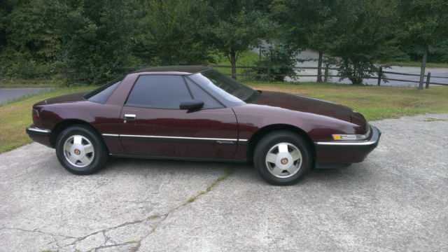 Buick Reatta 1998 with leather 16 way seats