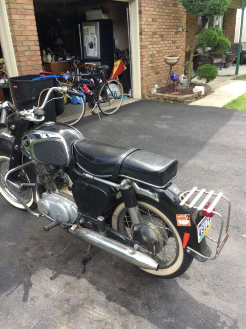motorcycle honda dream , 305