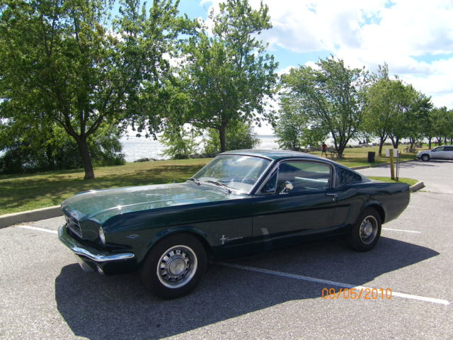 Ford : Mustang 2+2 Fastback