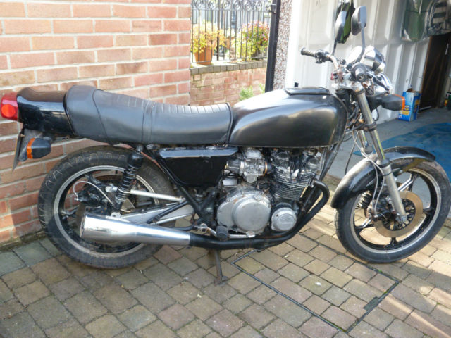 1981 SUZUKI  BLACK, SPARES OR REPAIR.