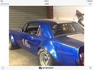 Ford Mustang (1964) 2 Door Coupe Race Car