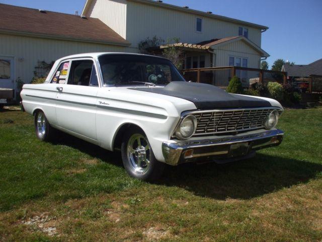 Ford : Falcon Sleeper street car.