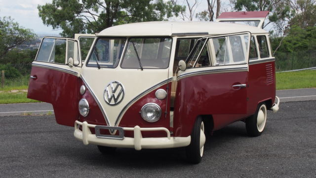 1968 VW Split Screen 15 Window Microbus Deluxe Kombi Volkswagen Bus