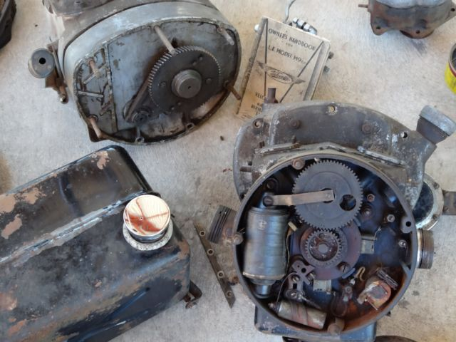 Vintage Velocette Le 200 Motorcycle Plus Spares For Sale