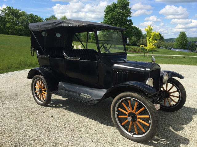 Ford Model T Touring 1923, antique car, original, well preserved for collector