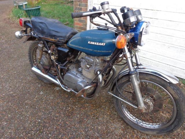 1975 Kawasaki Z400 twin classic restoration project or cafe racer bobber £550