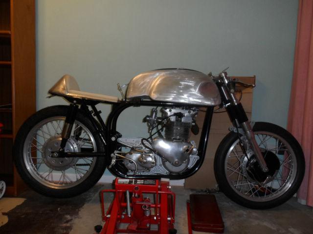 Norton.Triton,Triumph,Vintage,Classic