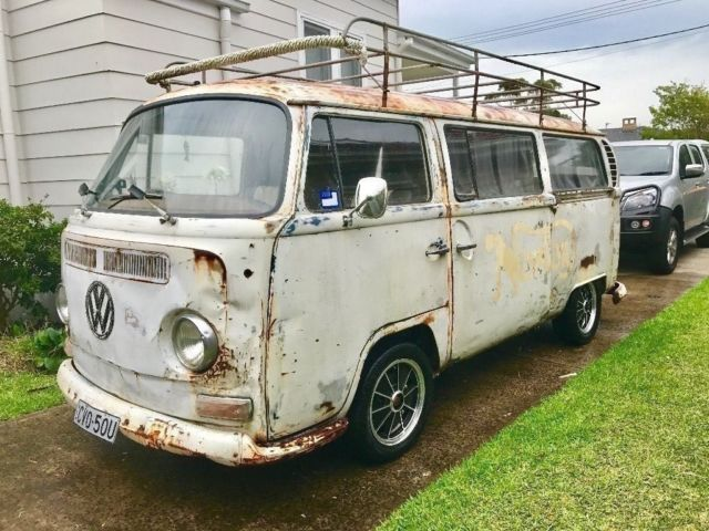 VW Kombi 1970 Low Light