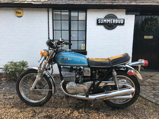 suzuki GT380 A 1976  Barn find Restoration project spares repair winter project