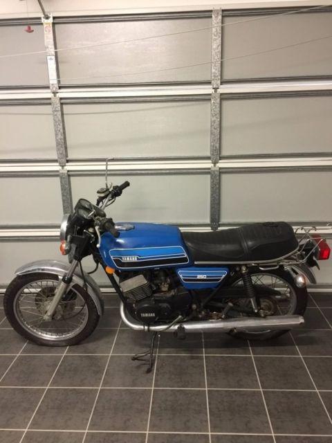 yamaha rd250 1976 model