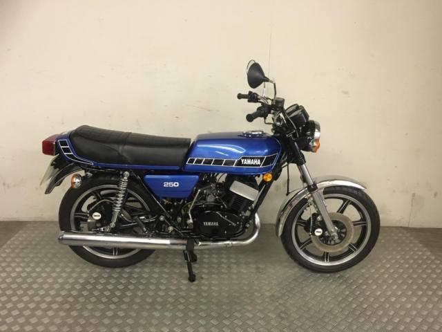 YAMAHA RD 250 two stroke  1978 with 28,765 Very Good Condition