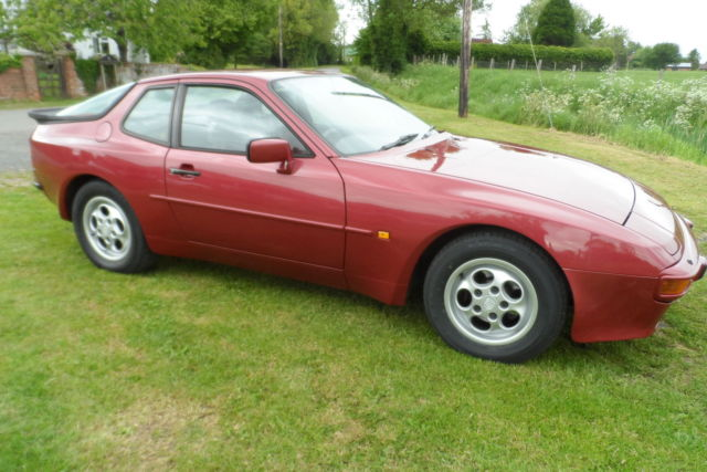 Porsche 9442.7 Coupe 5 spd man, 66k miles Beautiful car in Velvet red met SUPERB