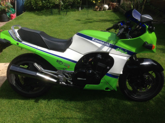 Kawasaki GPZ 750 fitted with 900cc engine.