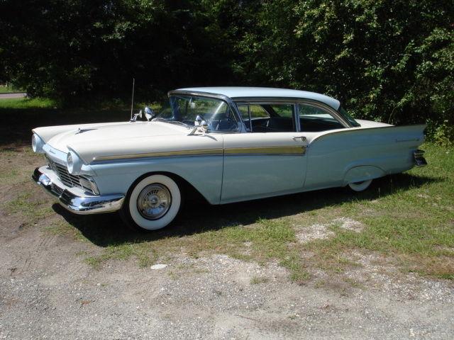 19570000 Ford Fairlane