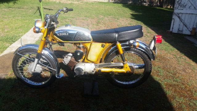 Yamaha YL2 100cc Classic Rare Two Stroke Gold Collectable 1968 suit Cafe Racer