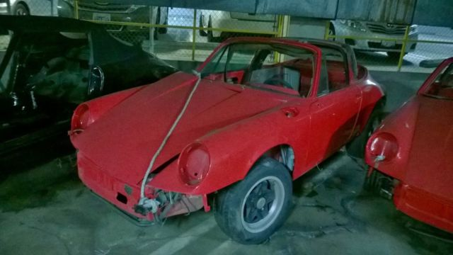1980 PORSCHE 911 Targa top  (body only) rolling shell