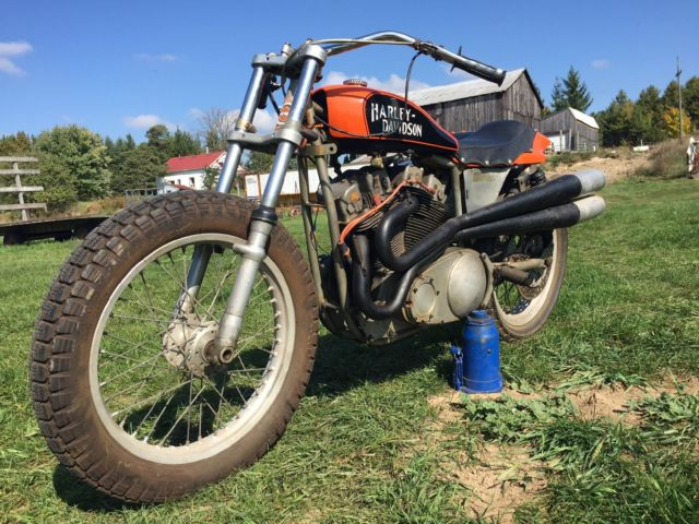 1975 HARLEY DAVIDSON XR750 RACE BIKE