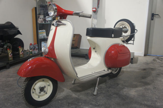 VESPA SUPER 150 1968 FULL RESTORATION *12 MONTH MOT*V5*GENUINE 3 GEAR 150*