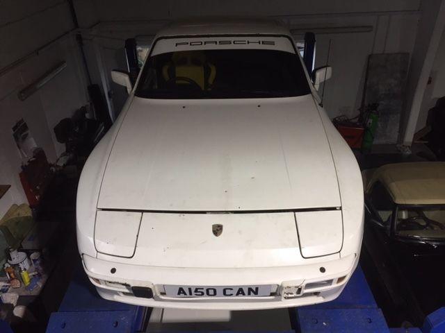 Porsche 944 1984 2.5 for restoration