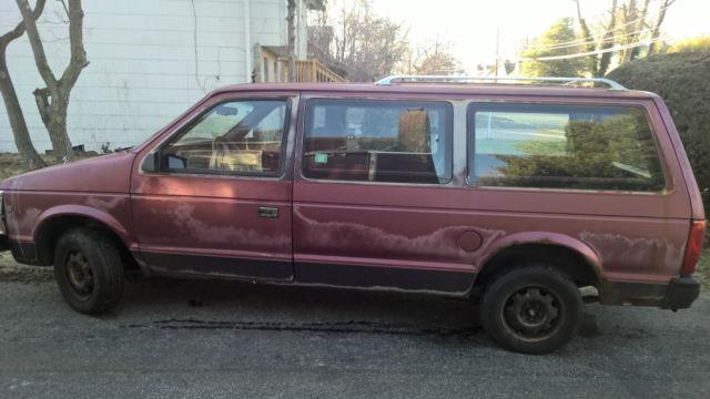1989 Dodge Grand Caravan SE Mini Passenger Van 3-Door 3 0L