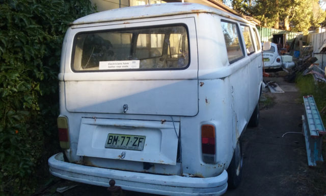 1979 2 litre kombi white engine, brakes,gears good, floors and roof OK