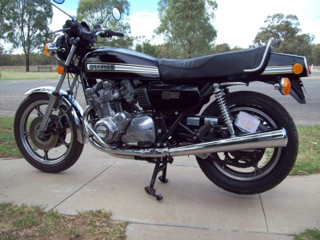 SUZUKI GS1000    NOT GSX1100 KATANA