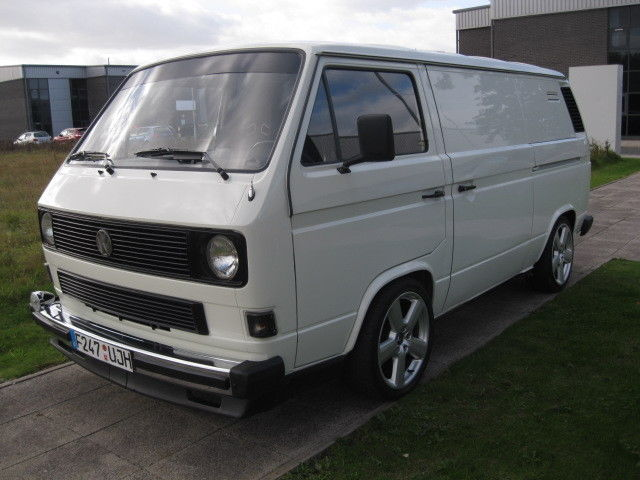 1988 VOLKSWAGEN  TRANSPORTER T25  2.1 VAN 5 SP AMAZING SPEC FSH FROM NEW !!
