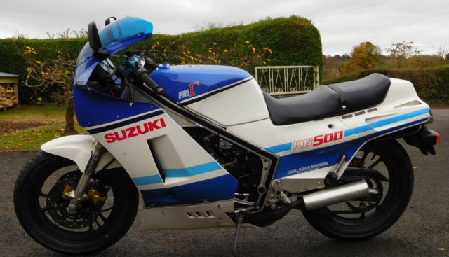 SUZUKI RG500 1986 BLUE WHITE. LOW MILES