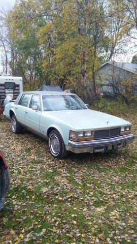 1977 Cadillac Seville Base Sedan 4-Door 5 7L Parts or Repair