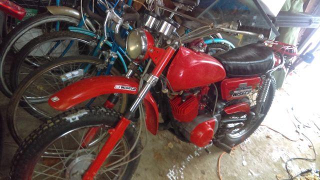 1972 Yamaha at2 125cc enduro