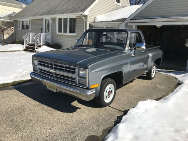 1986 CHEVROLTE C10 LIKE NEW RESTORED MINT CLEAN