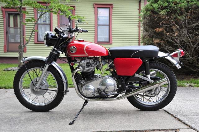 1968 Norton p11a