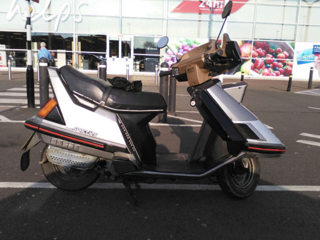 Honda CH125 Elite/Spacy Scooter
