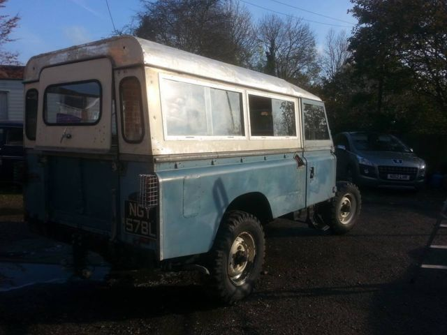 LAND ROVER 109 STATION WAGON