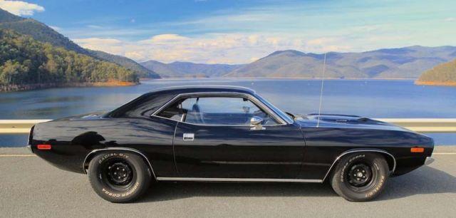 1972 Plymouth Cuda 340 - 4 speed - TRIPLE BLACK - Vinyl Roof Delete