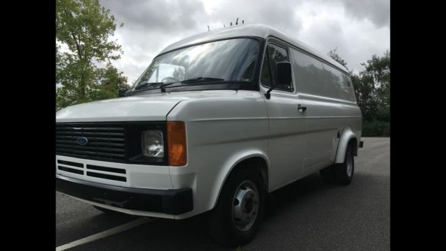 FORD TRANSIT MK2 Only 140 miles dry stored 28years, YES 140 miles-TWIN WHEELER