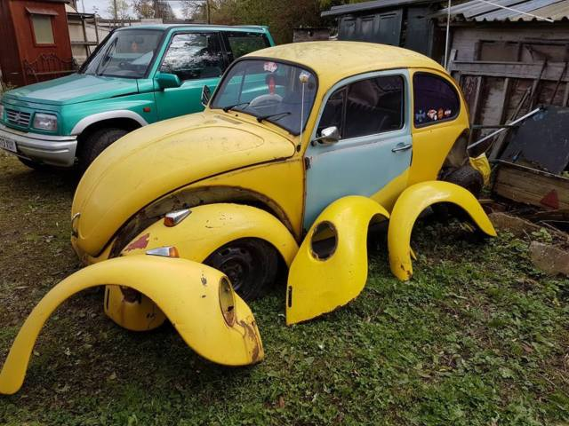 VW BEETLE YELLOW SPARES OR REPAIR