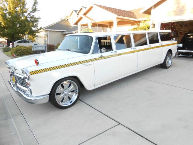 1968 Checker AeroBus Airporter Taxi 8 Door limousine  Rare