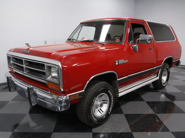 COMPLETE & CLEAN, EFI 318 V8, AUTO, 4X4, A/C, DANA 44, NICE OVERALL, SOLID VALUE
